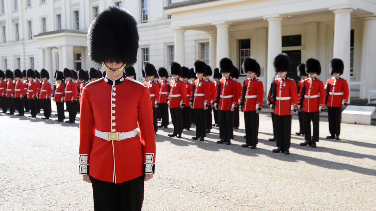 The_British_Grenadier_Guards_on_parade.