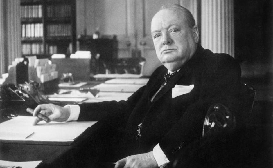 Winston_Churchill_as_Prime_Minister_during_the_War_in_the__Cabinet_Room