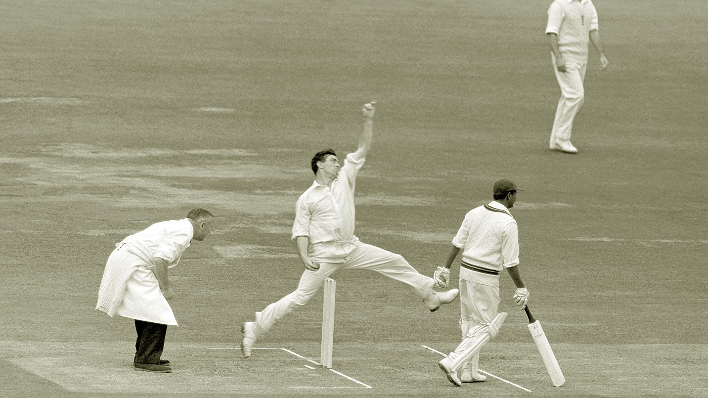 Fred_Trueman,_first_bowler_to_take_300_test_wickets