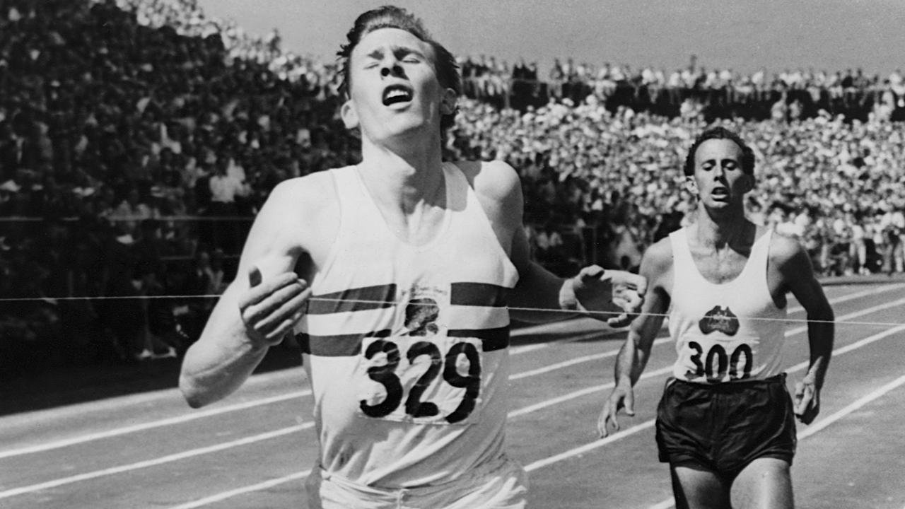 Roger_Bannister,_first_man_to_run_a_mile_in_under_4_minutes